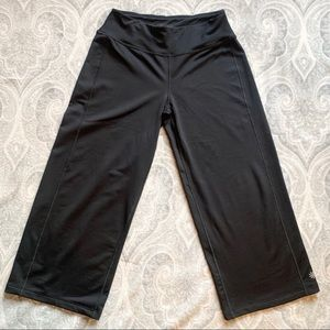 Athleta Capris Leggings